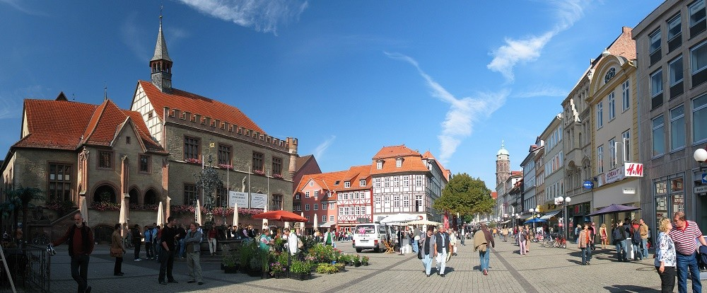 Autovermietung Göttingen - Marktplatz in Göttingen