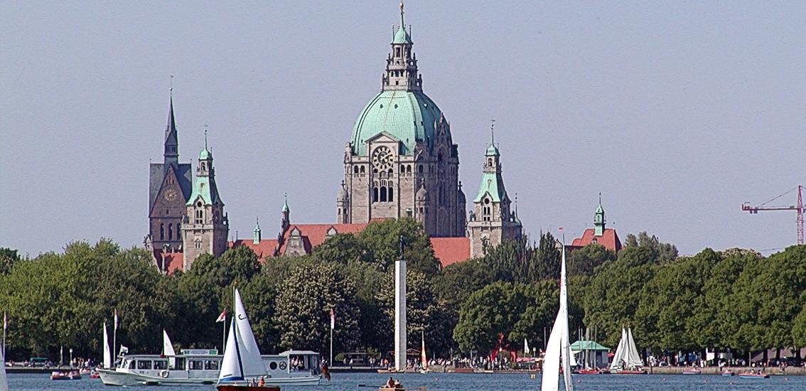 Autovermietung Hannover - das neue Rathaus in Hannover