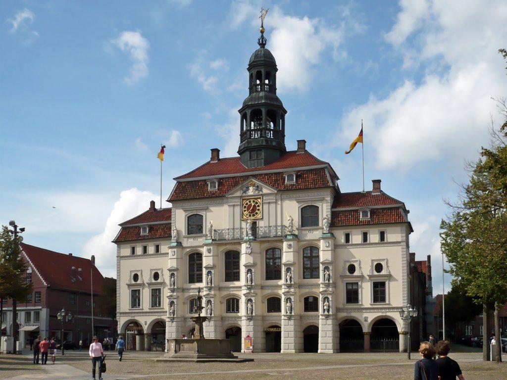 Mit dem Mietwagen Lüneburg erleben - das Rathaus von Lüneburg